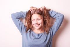 Fille de l'adolescence de sourire mignonne Photographie stock