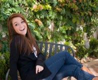 Fille de l'adolescence heureuse Photographie stock libre de droits
