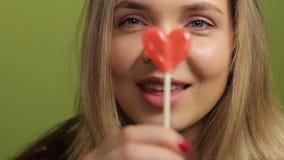 Fille de lucette de coeur de Valentine clips vidéos