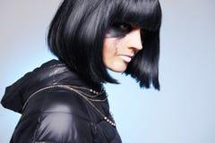 Fille de maquillage sale avec les cheveux noirs image stock