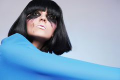 Fille de maquillage sale avec les cheveux noirs images libres de droits