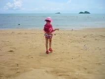 Fille de mode sur la plage Photo libre de droits