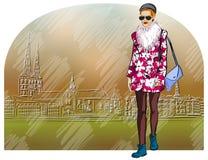 Fille de mode sur le fond de la vieille ville Images libres de droits