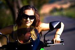 Fille de moto Photo stock