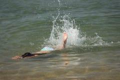 Fille de natation Images libres de droits