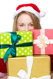 Fille de Noël avec des beaucoup giftbox Photos libres de droits