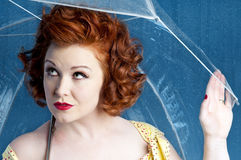 Fille de Pinup de parapluie Photos stock