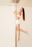 Fille de Poledancer Photographie stock libre de droits