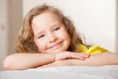 Fille de sourire Photos libres de droits