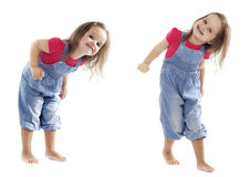 Fille de sourire d'enfant en bas âge de danse - image courante Photographie stock