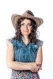 Fille de sourire dans le chapeau de cowboy Photos libres de droits