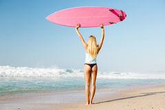 Fille de surfer de Blode photo libre de droits