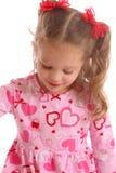 Fille debout dans le rose photo libre de droits
