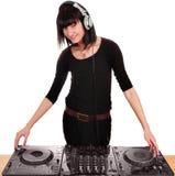 Fille DJ avec des plaques tournantes Image libre de droits