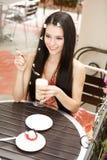 Fille en café Photo libre de droits