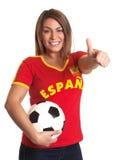 Fille espagnole avec le football montrant le pouce  Photos libres de droits