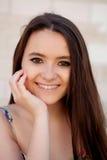 Fille espagnole de brune avec de longs cheveux Images libres de droits