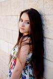 Fille espagnole de brune avec de longs cheveux Photos stock