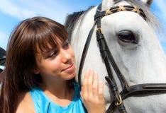 Fille et cheval photo stock