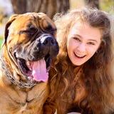 Fille et chien de l'adolescence Image libre de droits