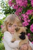 Fille et crabot Images libres de droits