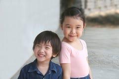 Fille et garçon Image libre de droits