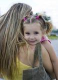 Fille et mère images libres de droits