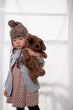 Fille et ours de nounours Photo stock