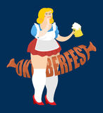 Fille et saucisse d'Oktoberfest Festival national de bière en Allemagne Image libre de droits