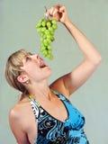 Fille et vigne Photo stock