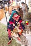 Fille ethnique avec le travail manuel Photos stock