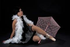 Fille gothique de parasol image stock