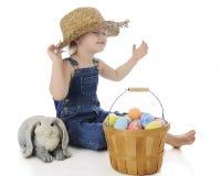 Fille idiote de ferme de Pâques photo stock