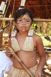 Fille indienne brésilienne dans des costumes types photographie stock