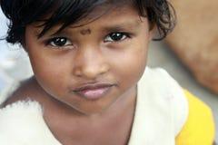 Fille indienne mignonne de village photographie stock