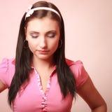 Fille infantile de femme puérile dans le rose photos stock