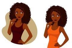 Fille magnifique d'Afro-américain avec les cheveux bouclés naturels Images libres de droits