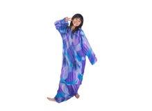 Fille malaise dans la robe traditionnelle pourpre II Images libres de droits