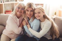 Fille, maman et mamie Photographie stock libre de droits