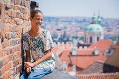 Fille mignonne à Prague Photos libres de droits