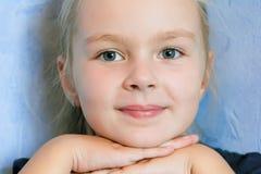 Fille mignonne cinq années Photo stock