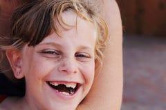 Fille mignonne couverte de taches de rousseur Photographie stock