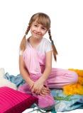 Fille mignonne dans le pyjama d'isolement sur le blanc Images libres de droits