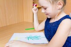 Fille mignonne de dessin Photo libre de droits