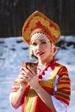 Fille russe dans un kokoshnik Images libres de droits