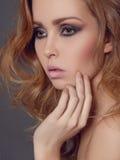 Fille sensuelle de beauté avec le maquillage image libre de droits