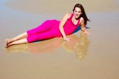 Fille sexy de plage Photographie stock libre de droits