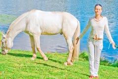 fille son cheval image libre de droits