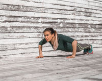 Fille sportive de forme physique Photographie stock