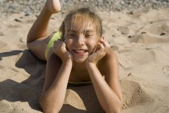Fille sur la plage II Photo libre de droits